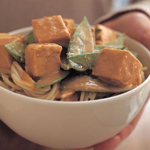 Peanut-Braised Tofu with Noodles