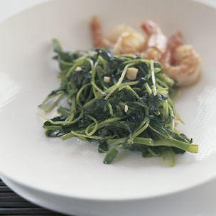 Stir-Fried Pea Shoots with Garlic