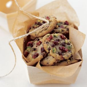 Crisp Chocolate Chip Cookies with Dried Cherries and Pistachios ...