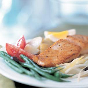 Niçoise Salad with Salmon