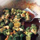 Stir-Fried Broccoli with Cashews and Dark Soy Sauce