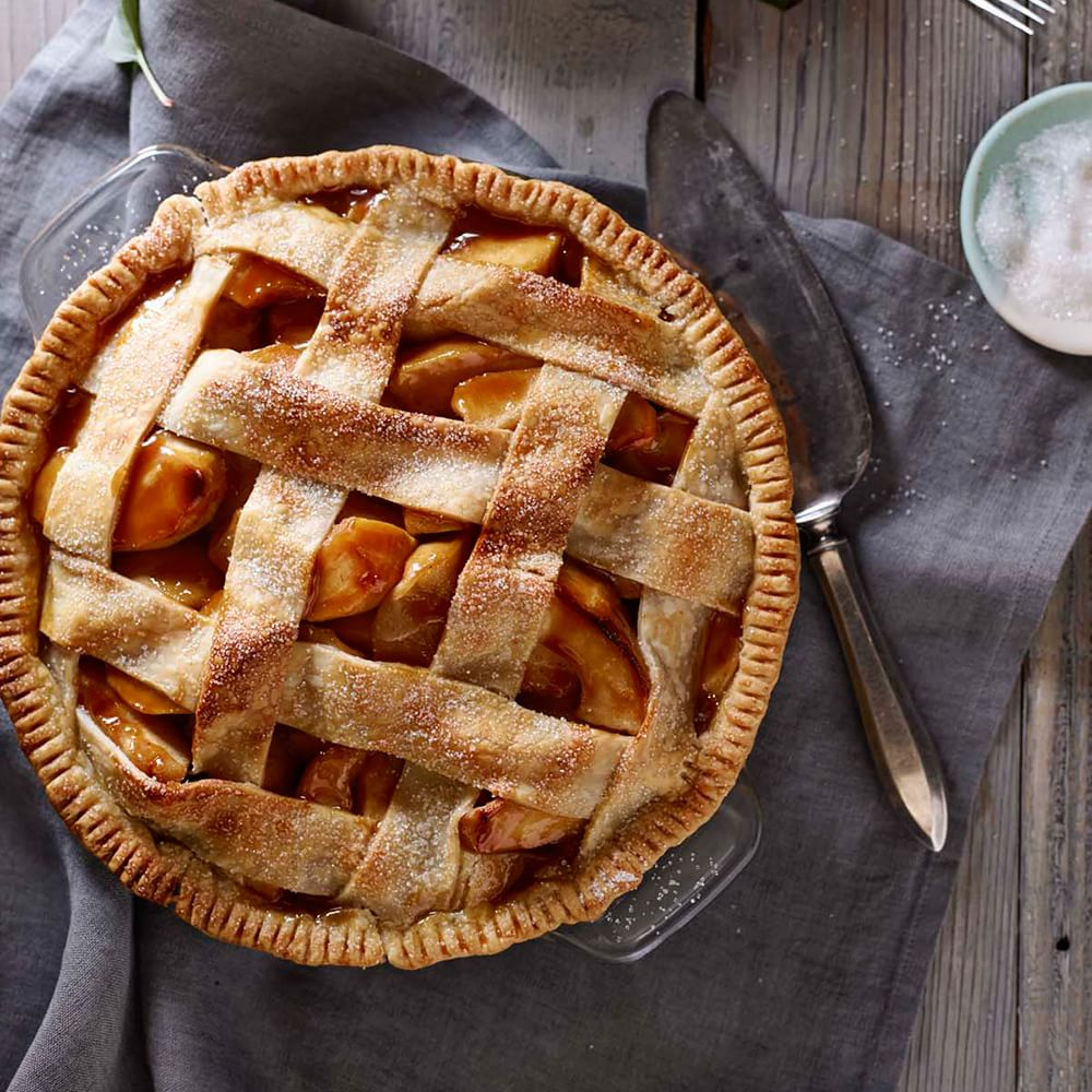 Salted Caramel Apple Pie with Lattice Crust Img46l