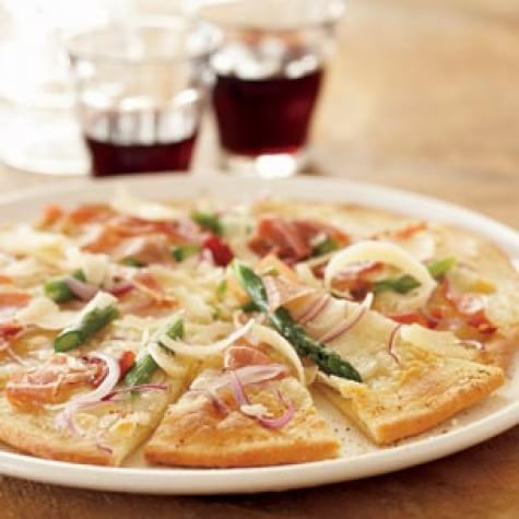 Grilled Asparagus and Prosciutto Pizza