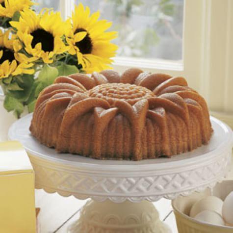 Lime Sunflower Cake
