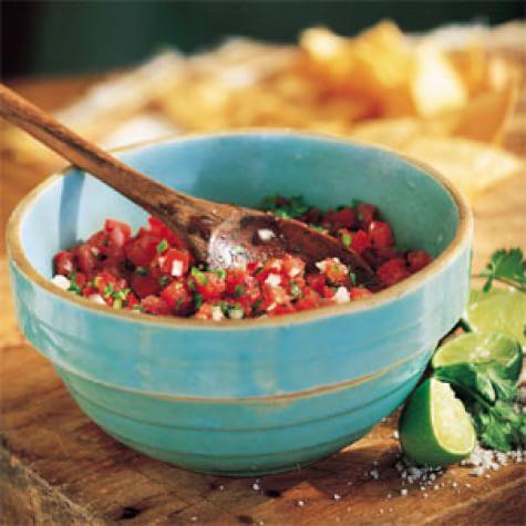 Fresh Tomato and Chile Salsa (Salsa Mexicana)