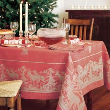 Decorating the Holiday Table