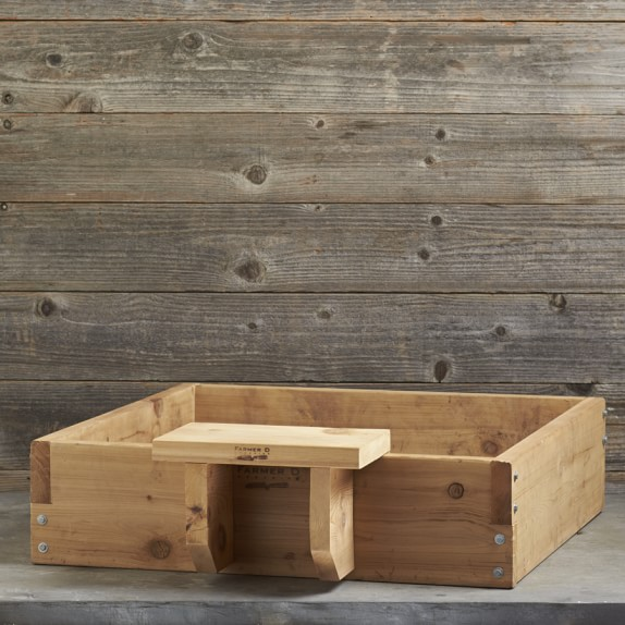 Farmer D Cedar Raised Bed Seat