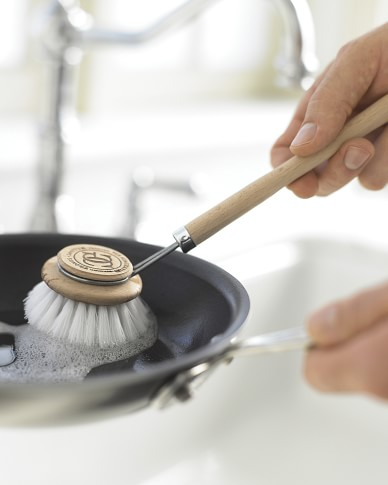 Maier Nonstick Pan Cleaning Brush