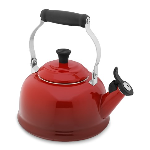 Le Creuset Classic Tea Kettle, Red