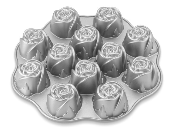 Nordic Ware Sweetheart Rose Cakelet Pan
