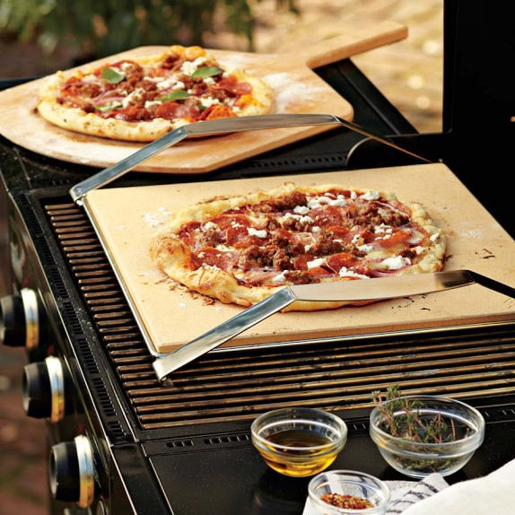 Pizza stone with frame for the bbq