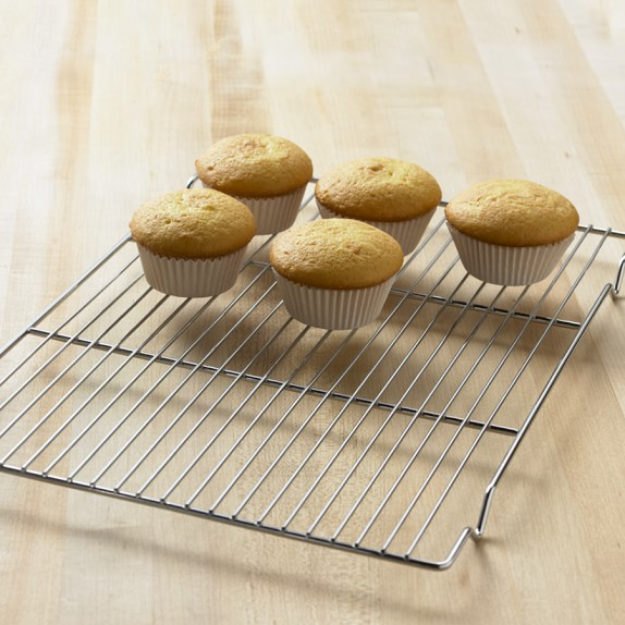 Cool Cakes In Pan Or Rack