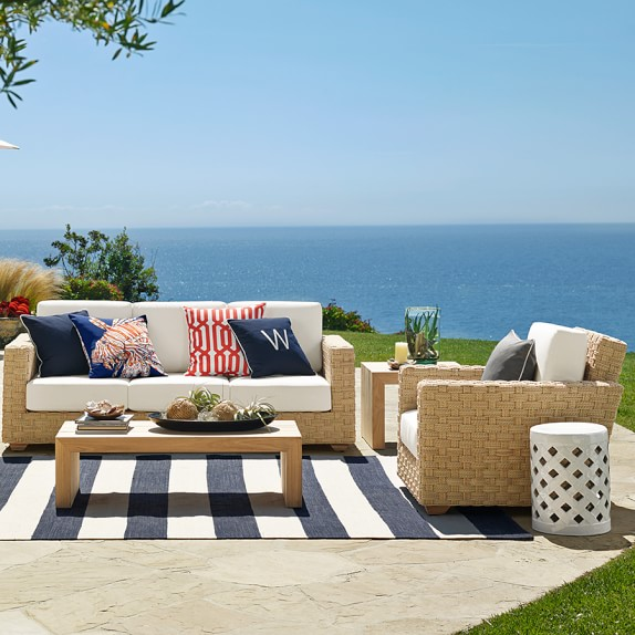 Patio stripe indoor outdoor rug dress blue williams sonoma for Blue striped outdoor rug