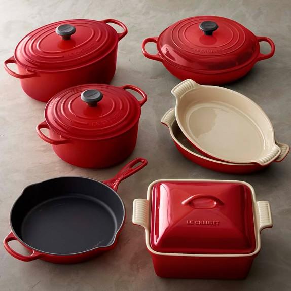 le creuset cast iron stoneware 11 piece cookware set. Black Bedroom Furniture Sets. Home Design Ideas
