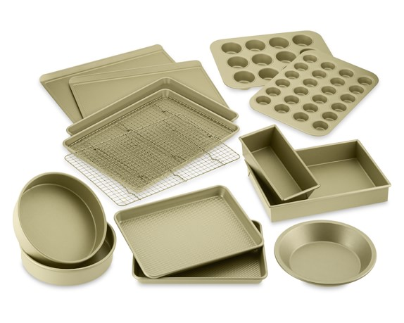 Williams Sonoma Goldtouch® Nonstick 15-Piece Bakeware Set