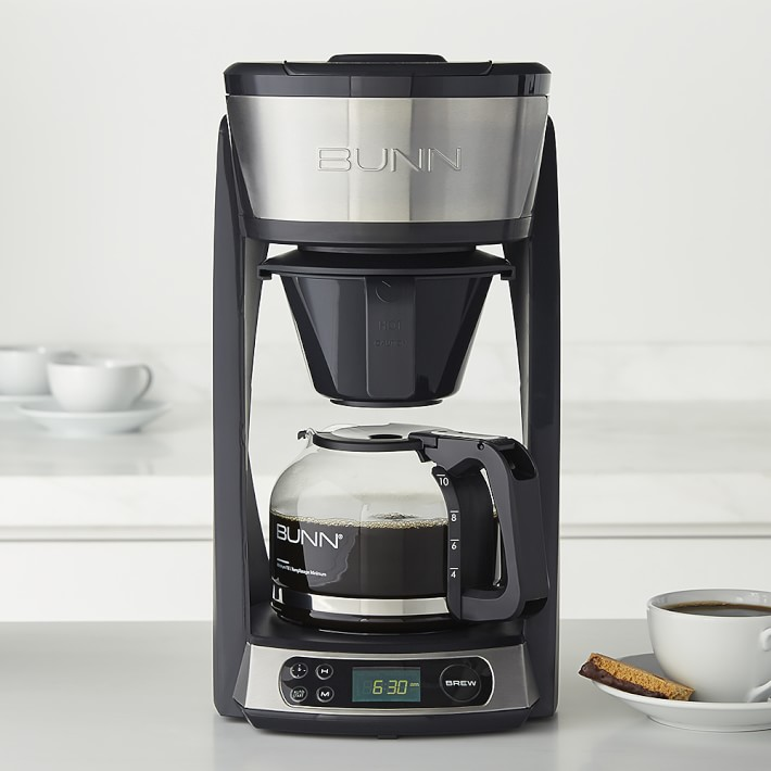 coffee maker with 2 carafes